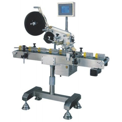 Labelling Machine with Conveyor